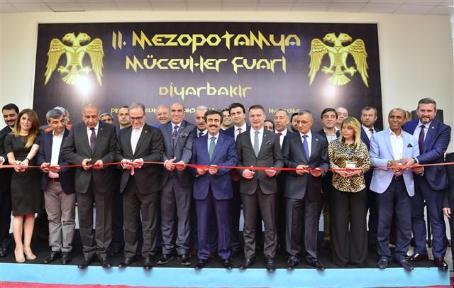 Diyarbakır' da 2. Mezopotamya Mücevher Fuarı Açıldı